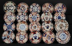Set de 20 pratos em porcelana Japonesa Imari do sec.19th, Periodo Meiji, 23cm - 26cm de diametro, 35,100 EGP / 14,550 REAIS / 4,250 EUROS / 4,600 USD https://www.facebook.com/SoulCariocaAntiques https://instagram.com/soulcarioca_antiques