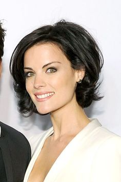 New Haircut Short Wavy Hair Jaimie Alexander Ideas Short Wavy Hair Alexander hair haircut Ideas Jaimie short Wavy Medium Hair Styles, Curly Hair Styles, Natural Hair Styles, Pretty Hairstyles, Bob Hairstyles, Headband Hairstyles, Jaimie Alexander, Great Hair, Short Hair Cuts