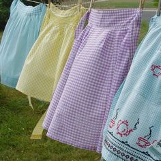 Southern picture~ clothes blowing in the breeze hanging on the line!