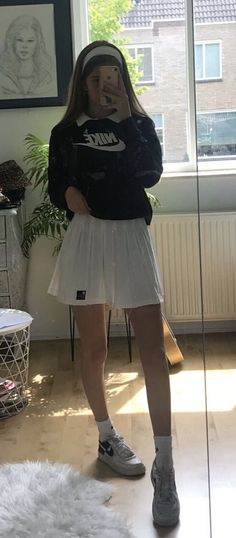 Outfit -  Tennis skirt aesthetic nike Indie Outfits, Teen Fashion Outfits, Retro Outfits, Cute Casual Outfits, Look Fashion, Stylish Outfits, Fall Outfits, Vintage Outfits, Skirt Fashion