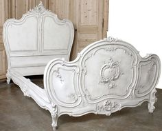 antique bed-looks like a carriage! | Bedroom Bliss | Pinterest ...