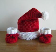 CHRISTMAS SANTA BABY CROCHET HAT/ BOOTIES.....handmade....cute!   eBay