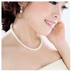 Women's Imitation Pearl Necklace - EUR € 2.93