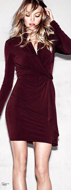 ♔ Victoria's Secret ● Surplice Dress - Burgundy - 2013 Ou c'est vieux mais ça m'irait bien