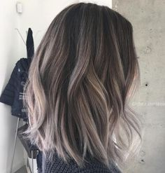 """10 Hottest Lob Haircut Ideas Not too short but not too long, the lob is the ideal choice for ladies who want something """"in-between"""". Check out these super hot lob haircut i. Gray Balayage, Balayage Hair, Balayage Brunette, Ash Blonde, Balayage Straight, Lob Hair, Blonde Ombre, Blonde Hair, Cheveux Beiges"""