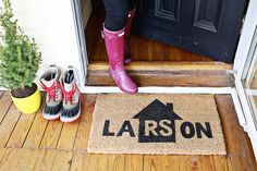 How To: Personalized Home Welcome Mat #DIY #painting #home #decor