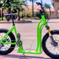 If you can't decide whether a bike or a scooter is more appropriate to your type of riding … well, you might want to get a Moox Bike. It's a bicycle/scooter combo, with a little bit of fatbike thrown into the mix for good measure. Scooter Bike, Kick Scooter, Scooter Images, Three Wheel Bicycle, Power Bike, Futuristic Motorcycle, Push Bikes, Bike Trailer, Cargo Bike