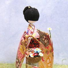 Akane-1 Japanese Origami, Japanese Paper, Japanese Geisha, Japanese Love, Japanese Design, Diy And Crafts, Arts And Crafts, Paper Crafts, Washi