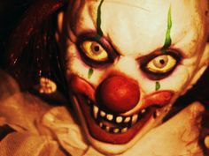 Very Scary Clown Faces Image Gallery - Lapse Shot Clown Scare, Scary Clown Face, Freaky Clowns, Evil Clowns, Creepy Stuff, Creepy Dolls, Scary Things, Scary Art, Very Scary