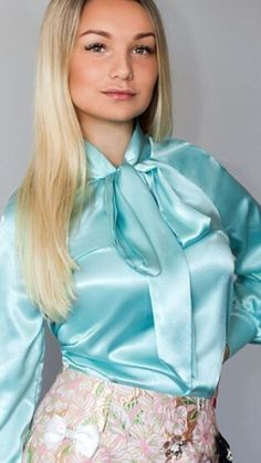 Sexy Blouse, Bow Blouse, Blouse And Skirt, Satin Dresses, Tight Dresses, Satin Underwear, Satin Bluse, Satin Top, Silk Satin