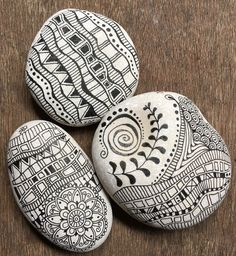 Best Painted Rocks Ideas, Weapon to Wreck Your Boring Time [Images] You want to make a new painted rock ideas? We have a new Rock Painting ideas for you.You want to make a new painted rock ideas? We have a new Rock Painting ideas for you. Pebble Painting, Dot Painting, Pebble Art, Stone Painting, Stone Crafts, Rock Crafts, Arts And Crafts, Stone Drawing, Rock And Pebbles