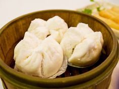 The best Chinatown restaurants in NYC Best Ramen Noodles, Chinatown Restaurants, Nyc Bucket List, Snack Recipes, Snacks, Restaurant Guide, Dim Sum, Deli, The Good Place
