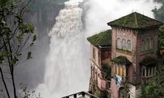 Hotel Del Salto – Colombia This hotel was built to overlook the Bogota River. Constructed in it gave tourists the opportunity to get close to the waterfalls and mother nature. Due to a number of safety concerns over time, the building was closed in Abandoned Buildings, Abandoned Places, Places Around The World, Around The Worlds, Belle Villa, Machu Picchu, Places To See, Detroit, Disneyland