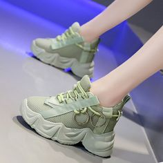 Girls Sneakers, Sneakers Fashion, Fashion Shoes, Sports Shoes For Girls, Girls Shoes, White Jordan Shoes, Louis Vuitton Shoes Sneakers, Dad Shoes, Fresh Shoes