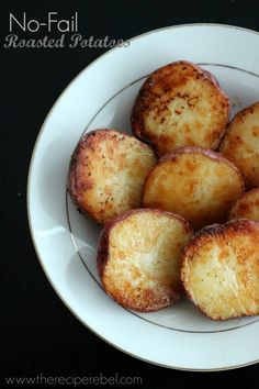 No-Fail Roasted Potatoes -- the easiest side dish ever, and they're perfect every time! www.thereciperebel.com