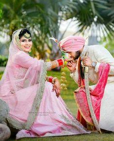 #Ghaint punjabi Indian Bride Poses, Indian Wedding Poses, Punjabi Wedding Couple, Indian Wedding Couple Photography, Punjabi Bride, Indian Wedding Planning, Wedding Photography Poses, Indian Weddings, Punjabi Couple