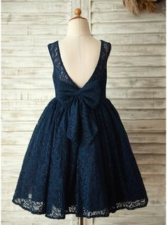 A-Line/Princess Scoop Neck Knee-length Flower(s) V Back Lace Sleeveless Flower Girl Dress Flower Girl Dress