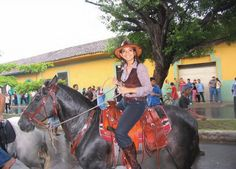 Introduction to Granada, a beautiful town in Nicaragua, to the people of Nicaragua and also some iformation about Costa Rica. A story about Kathy, owner of a restaurant in Granada, and about some other things connected with the girl from Nicaragua.