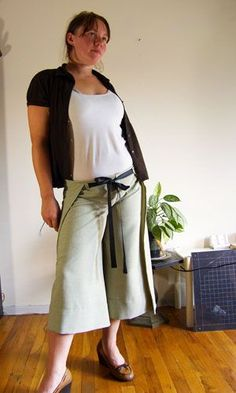 A Great Tutorial for how to make the Wrap Pants (any length).  Tried it- I have awesome pants now! And I didn't lose patience.