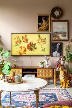 Home Decorating DIY Projects : Deze tv mag gezien worden in je interieur ( win de Samsung The Frame tv! Interior Design Living Room, Living Room Decor, Interior Decorating, Interior Inspiration, Room Inspiration, Casual Home Decor, Framed Tv, Home Decor Items, Samsung