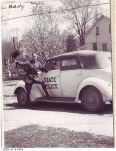 Trooper Larry Kelly not wearing his Stetson 1950 Police Car Models, Police Cars, Police Vehicles, Police Crime, Police Uniforms, State Police, Emergency Vehicles, Car Photos, Fire Trucks