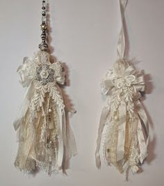 Hi everyone :-)   Here is a requested shabby chic tassel tutorial. Will first show how to make a regular tassel and then a large shabby chi...