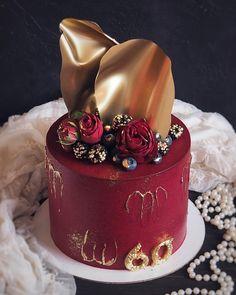Red Birthday Cakes, Elegant Birthday Cakes, Beautiful Birthday Cakes, Cake Decorating Designs, Cake Decorating Videos, Cake Decorating Techniques, Beautiful Cake Designs, Cool Cake Designs, Beautiful Cakes
