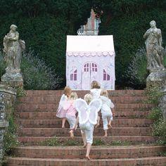 Leketelt fra Prinser Prinsesser #leketelt #fehytte #prinserogprinsesser #barnerom #interiør #barneromsinteriør #playtent #fairycottage #kidsroom #kidsinterior #scandinavianinterior