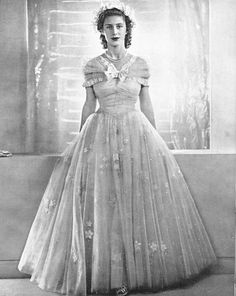 The Queen's sister, Princess Margaret, in her Bridesmaid finery for the Queen's Wedding.  GORGEOUS.