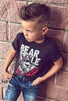 30 trendy boy hairstyles for stylish little boys Boys Haircuts 2018, Stylish Boy Haircuts, Boy Haircuts Short, Cool Boys Haircuts, Little Boy Hairstyles, Toddler Boy Haircuts, Haircuts For Men, Cool Hairstyles, Kids Hairstyles Boys