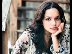 ▶ Norah Jones & Marian McPartland - I Can't Get Started (With You) - YouTube