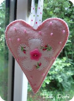 Dinki Dots Craft: June 2011 Cute Valentine Ideas, Valentines Day Hearts, Funny Valentine, I Love Heart, Happy Heart, Felted Wool Crafts, Fabric Hearts, Heart Crafts, Felt Patterns