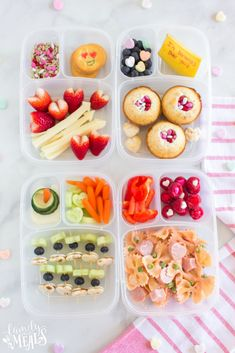 It's time for the sweetest holiday of the year, Valentine's Day! Here are some Easy and Fun Valentines Day Lunchbox Ideas for your little ones! Red Chocolate, Good Food, Yummy Food, Family Fresh Meals, Lunch Recipes, Healthy Recipes, Ww Recipes, Family Recipes, Chicken Recipes