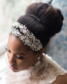Munaluchi Bride | Natural beauty @sophiabarrettstudios for...