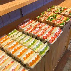 Image may contain: 1 person Comida Picnic, Fruit Sandwich, Good Food, Yummy Food, Cafe Food, Aesthetic Food, Food Cravings, Diy Food, Food Porn