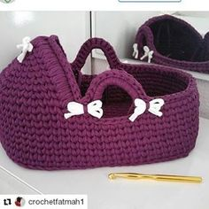 41 Ideas Crochet Basket For Toys Yarns Crochet Home, Love Crochet, Crochet Gifts, Crochet For Kids, Crochet Flowers, Crochet Doll Clothes, Crochet Dolls, Crochet Yarn, Crochet Stitches