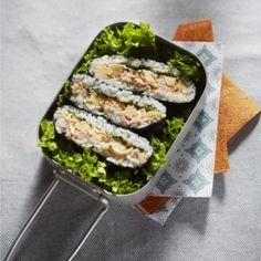 Japanse rijstsandwich Dim Sum, Onigirazu, Asian Recipes, Ethnic Recipes, Fodmap, Palak Paneer, Fresh Rolls, Lunches, Food And Drink