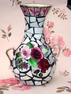 Black grout, mosaic vase
