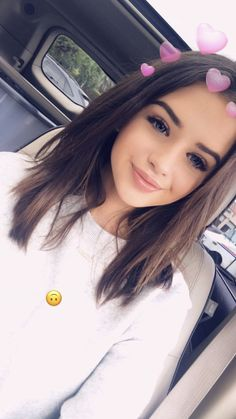 goal girl beauty aestetic icon cute hair short school look lovly baby bitch eyebrow eyes lips kolczyk smile outfit Snapchat Selfies, Snapchat Girls, Tumblr Photography, Photography Poses, Tumbrl Girls, Selfie Poses, Insta Photo Ideas, Cute Girl Photo, Pretty Face