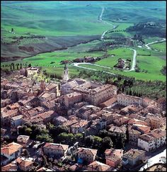 Pienza, Italy--this whole town smells like cheese! It's spectacular! Umbria Italy, Toscana, Italy Travel, Italy Trip, Heritage Site, Wonders Of The World, Cool Pictures, Places To Go, Beautiful Places