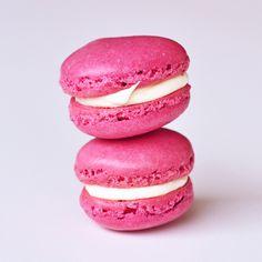 Blush-Pink-and-Gold-Macaroons