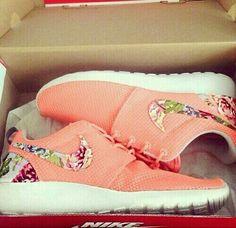 Nike cute running shoes♥