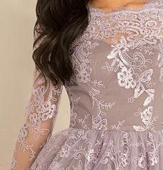 Rochii elegante lila dantela maneci lungi