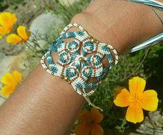 Bracelet micro macrame white and green beads in brass flower