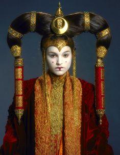 Queen Amidala 'StarWars Episode I: The Phantom Menace'. The 'Senate Gown' costume detail, designed by Trisha Biggar.
