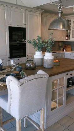 Kitchen Layout Plans, Kitchen Pantry Design, Modern Kitchen Design, Kitchen Styling, Interior Design Kitchen, Very Small Kitchen Design, Farmhouse Kitchen Decor, Home Decor Kitchen, Country Kitchen