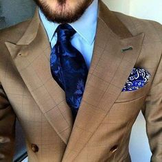 men-dress-better: What a splendid tie! men-dress-better: What a splendid tie! Fashion Mode, Suit Fashion, Mens Fashion, Style Fashion, Gentleman Mode, Gentleman Style, Sharp Dressed Man, Well Dressed Men, Terno Slim