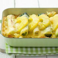 Recept - Ovenschotel met prei en ananas - Allerhande Dutch Recipes, Clean Recipes, Veggie Recipes, Vegetarian Recipes, Snack Recipes, Cooking Recipes, Halogen Oven Recipes, Enjoy Your Meal, Good Food