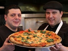 Get easy tips from Francis Garcia of New York's Artichoke Basille's Pizza on how to recreate NY-style pizza in your own kitchen.