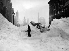 the art institue of chicago after the 1979 chicago blizzard.